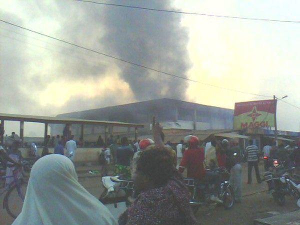 Le marché de Kara en feu